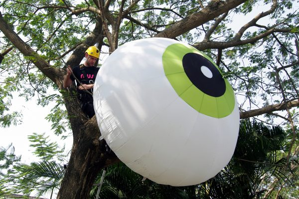 Rigging an inflatable eye