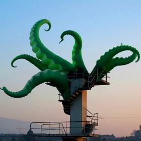 High-diving octopus - Lake of Geneva - Fete de L'eau